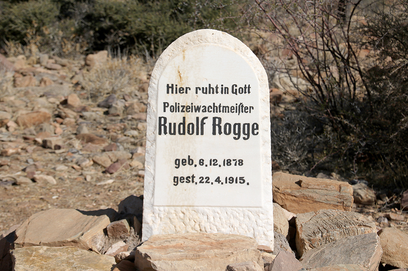 Grave Rudolf Rogge Police station BüllsPort Buellsport Naukluft Mountains